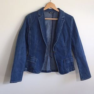 Tahari Jean/Denim Jacket